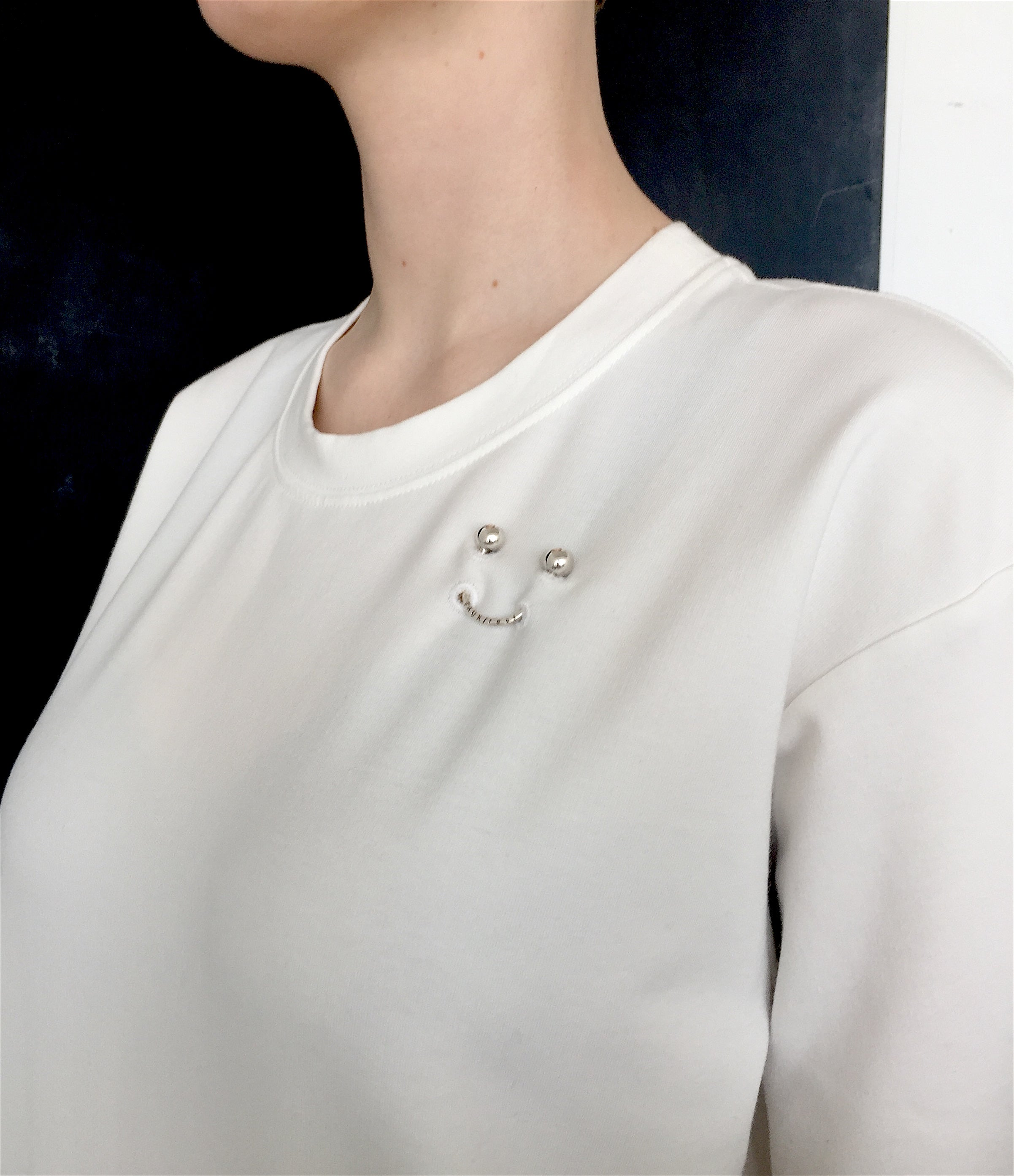 FAUX/real APPAREL SMILEY PIERCING WHITE