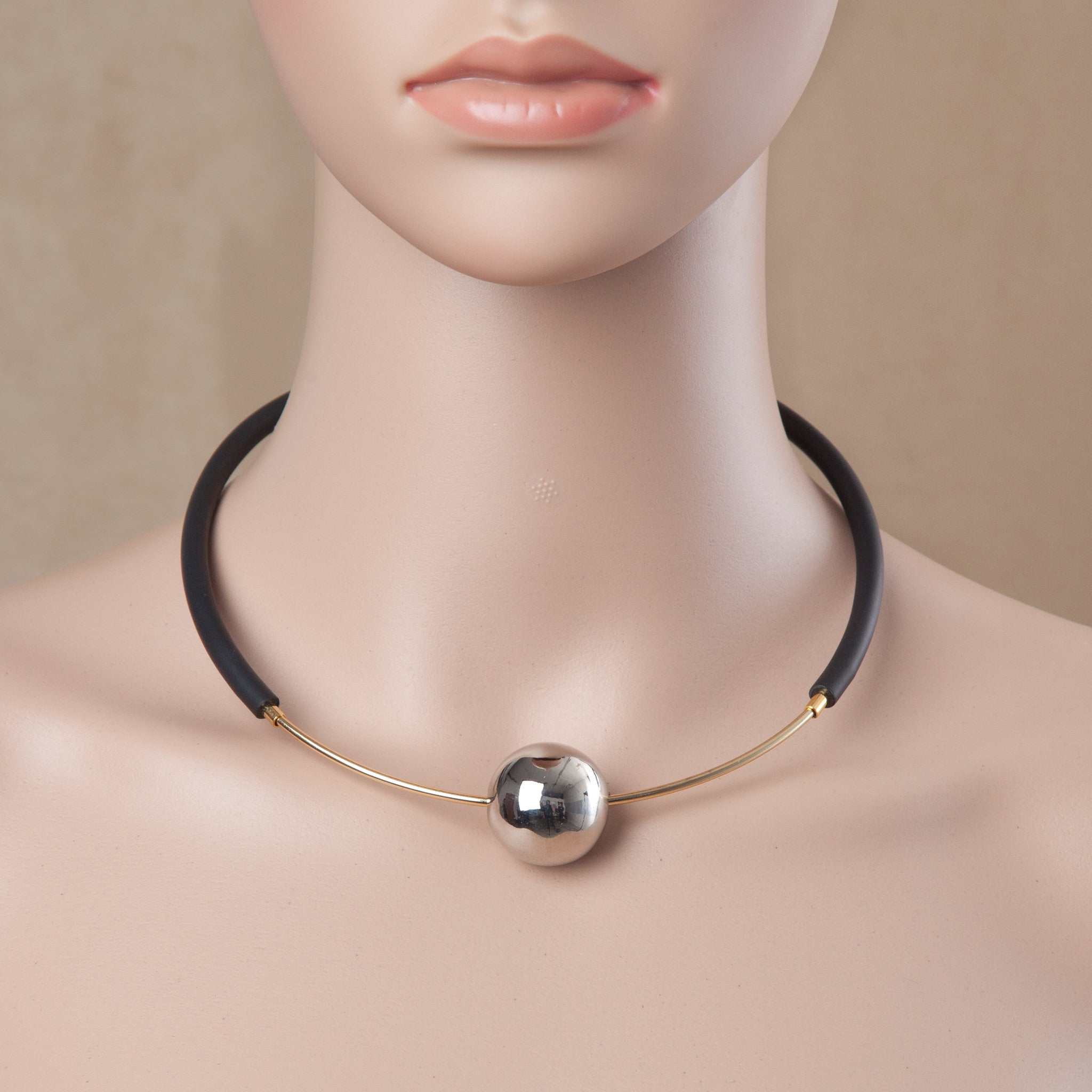 EYE ON YOU CHOKER SILVER