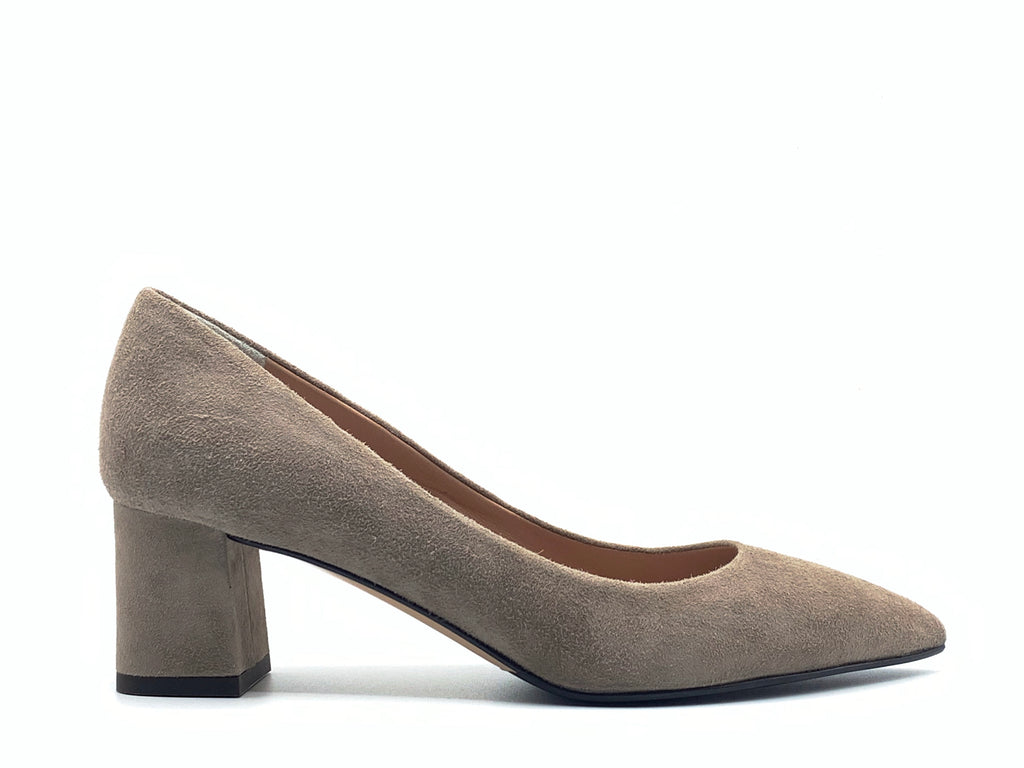 The Seller - S8002 (Taupe Suede)