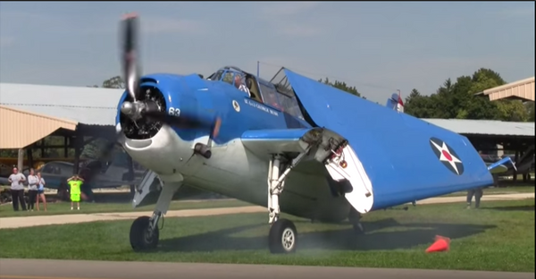 Plane Perfect - Wing Wipe Demonstration on a TBM Avenger