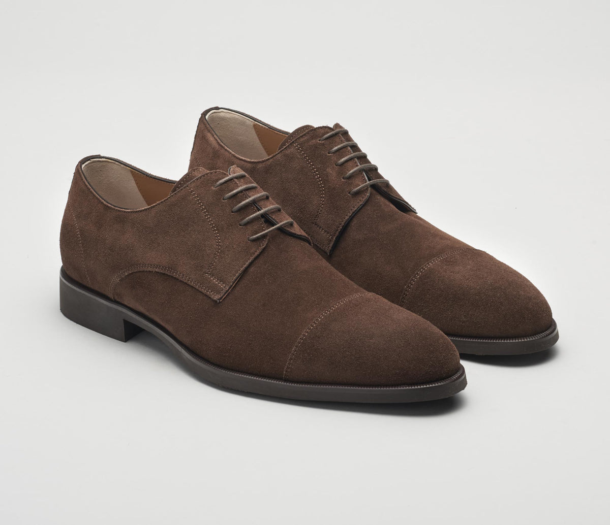 Milano Suede Lace-up in Mustang