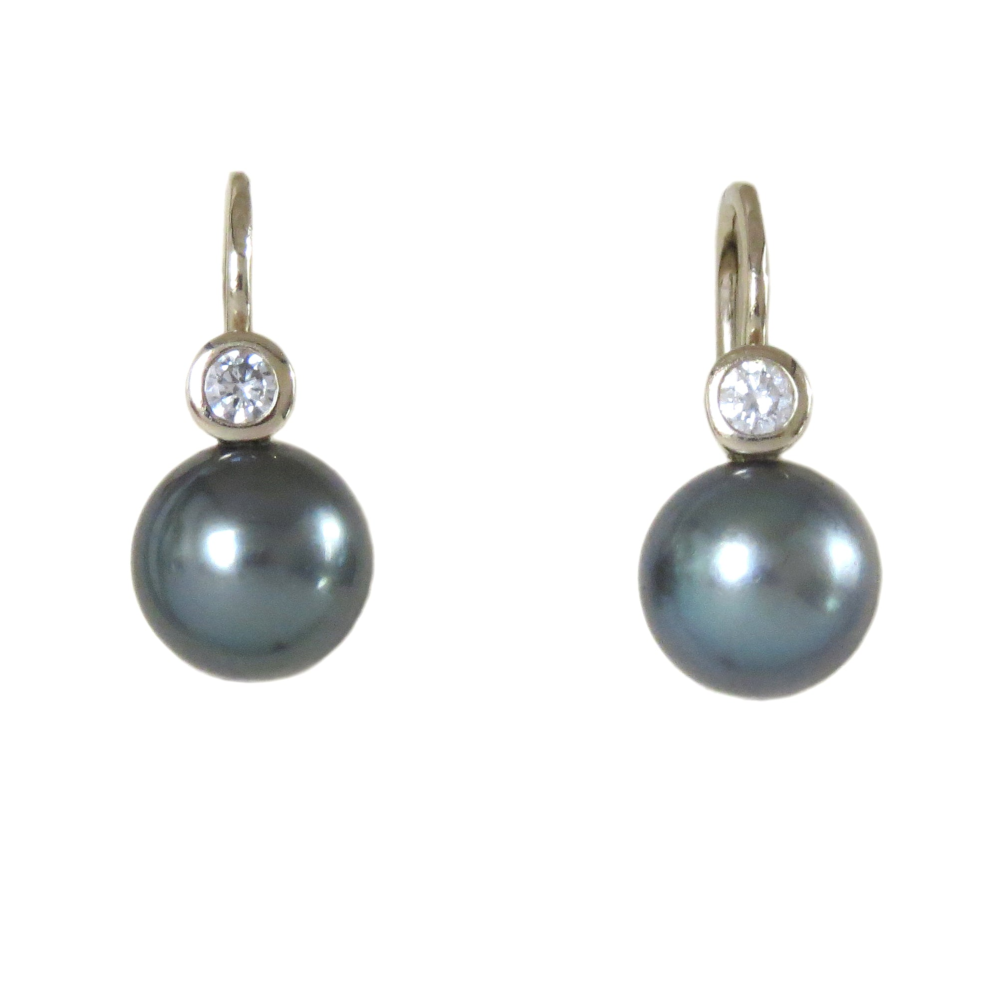 Mikimoto Tahitian Pearl Diamond Gold Earrings
