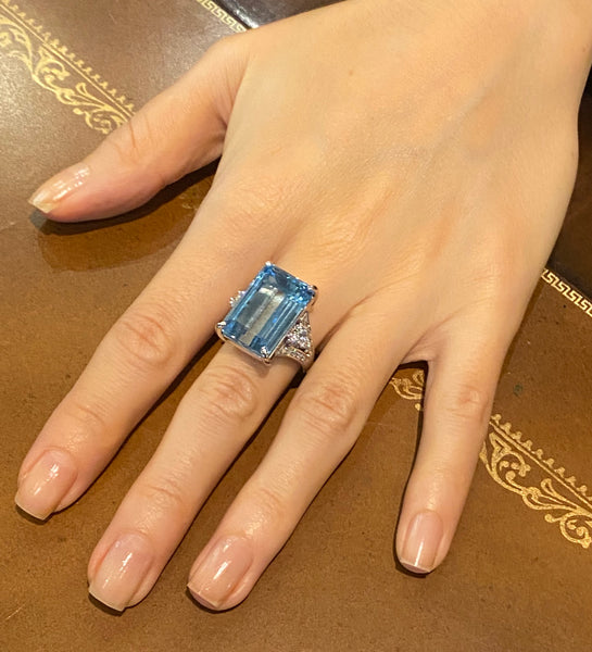 Platinum 22 Carat Aquamarine Diamond Cocktail Ring