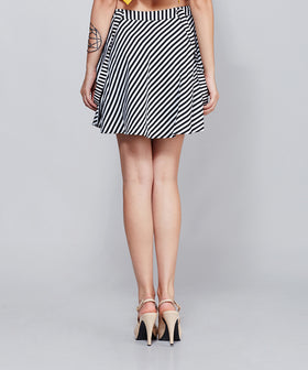 Yepme Lena Suspender Skirt - Black & White