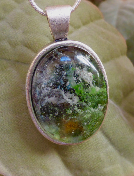 Memorial Oval pendant with ash (cremation jewelry)
