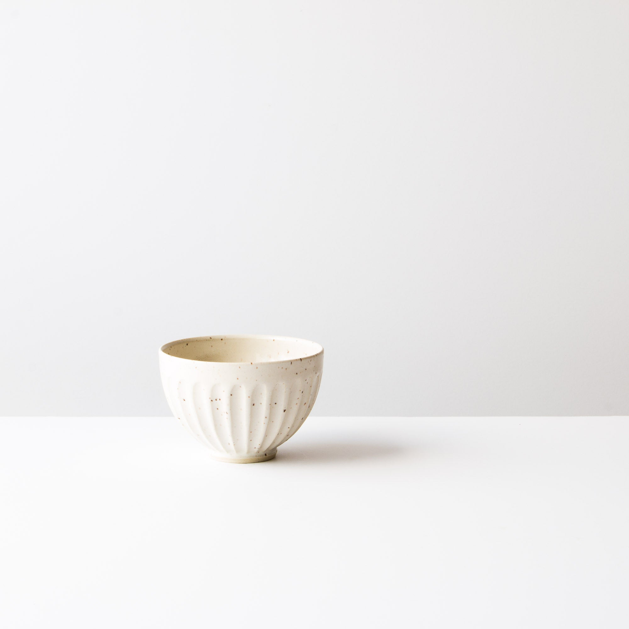 Speckled Off-White Colour - Handmade Ceramic Cappuccino Coffee Cup - Groove Pattern - Chic & Basta