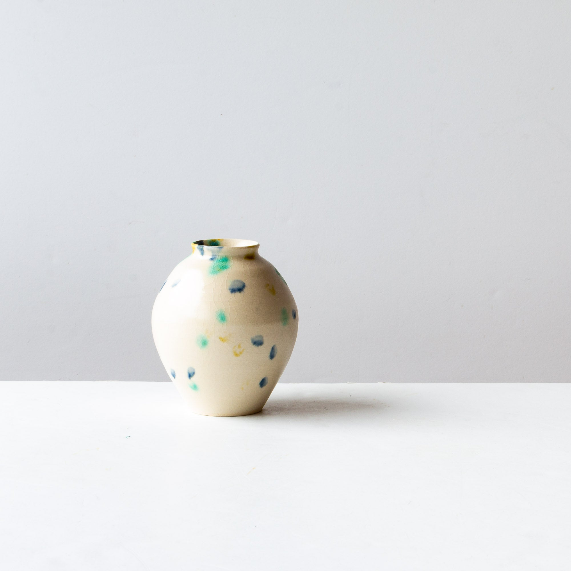 Hanabira - Handmade Small Ceramic Vase - Sold by Chic & Basta