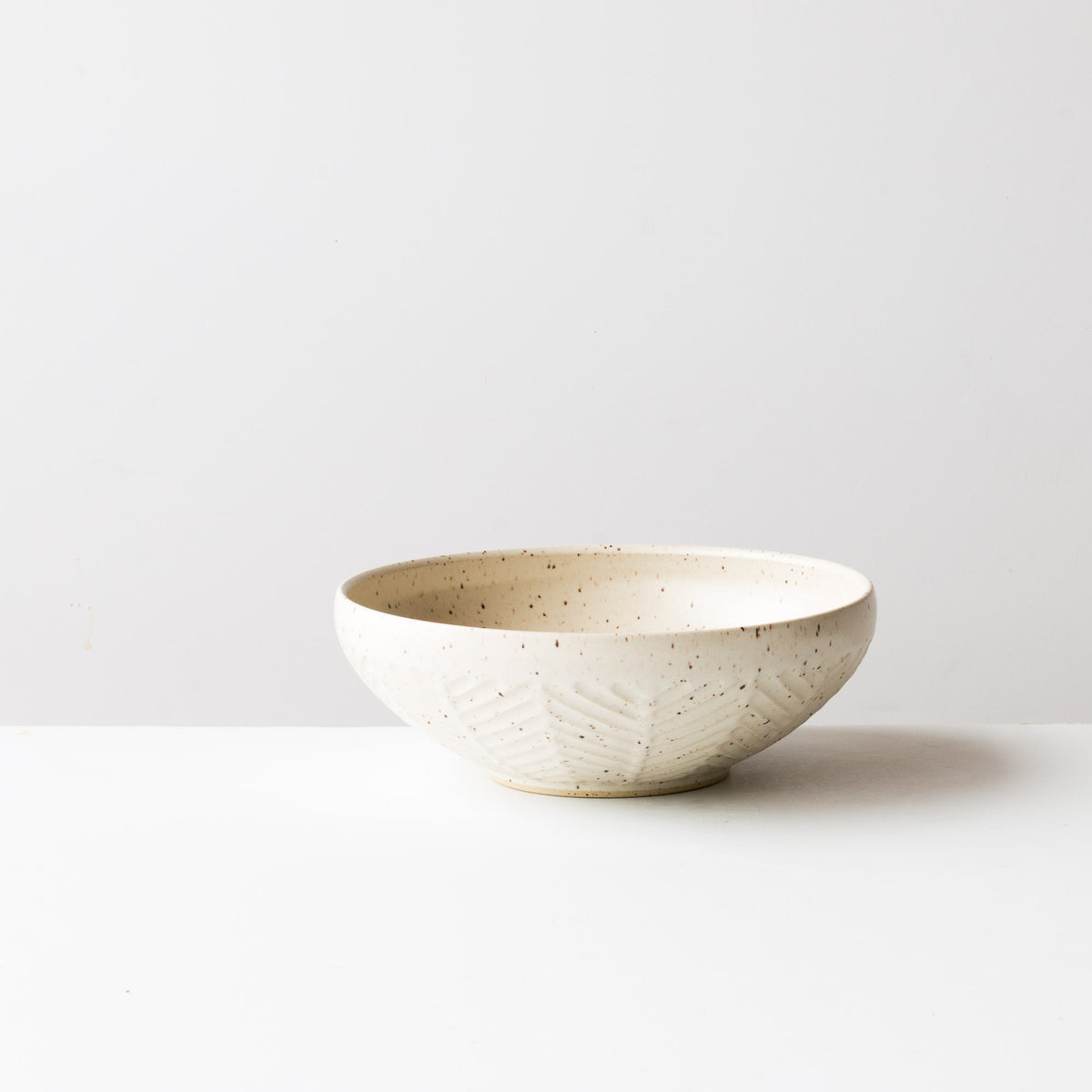 Speckled Off-White - Handmade Herringbone Pattern Ceramic Bowl - Handmade in Canada By Christian Roy - Chic & Basta