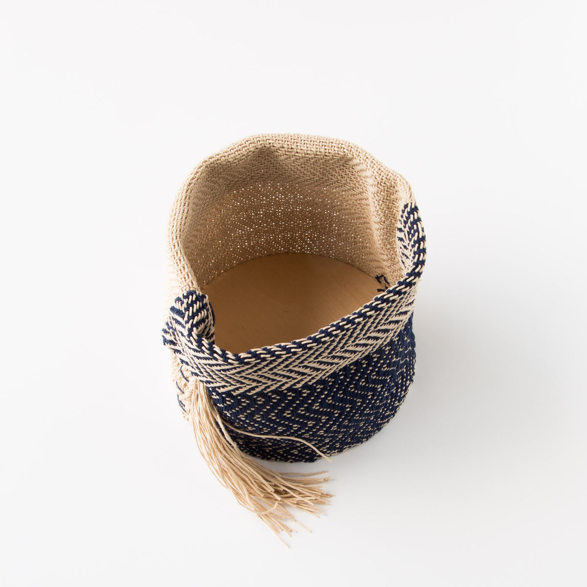 Bottom Wood View - Hemp Table Basket (Medium) - Handwoven in Montreal, Quebec, Canada - Sold by Chic & Basta