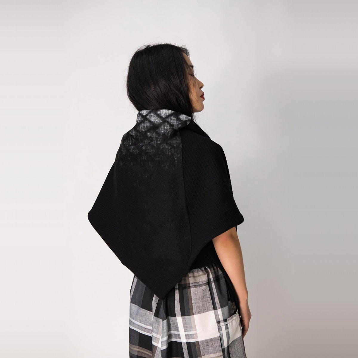 Rear View of a Model Wearing a Indiana Scarf / Shawl - Black & White Diamond - Sold by Chic & Basta