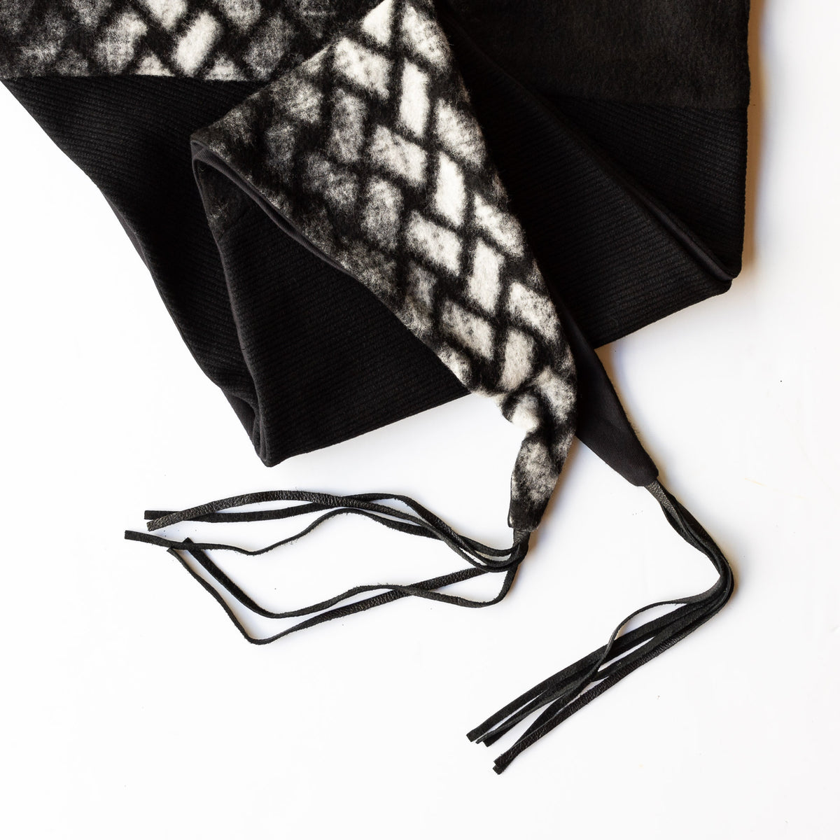 Detail - Indiana Scarf / Shawl - Black & White Diamond - Sold by Chic & Basta