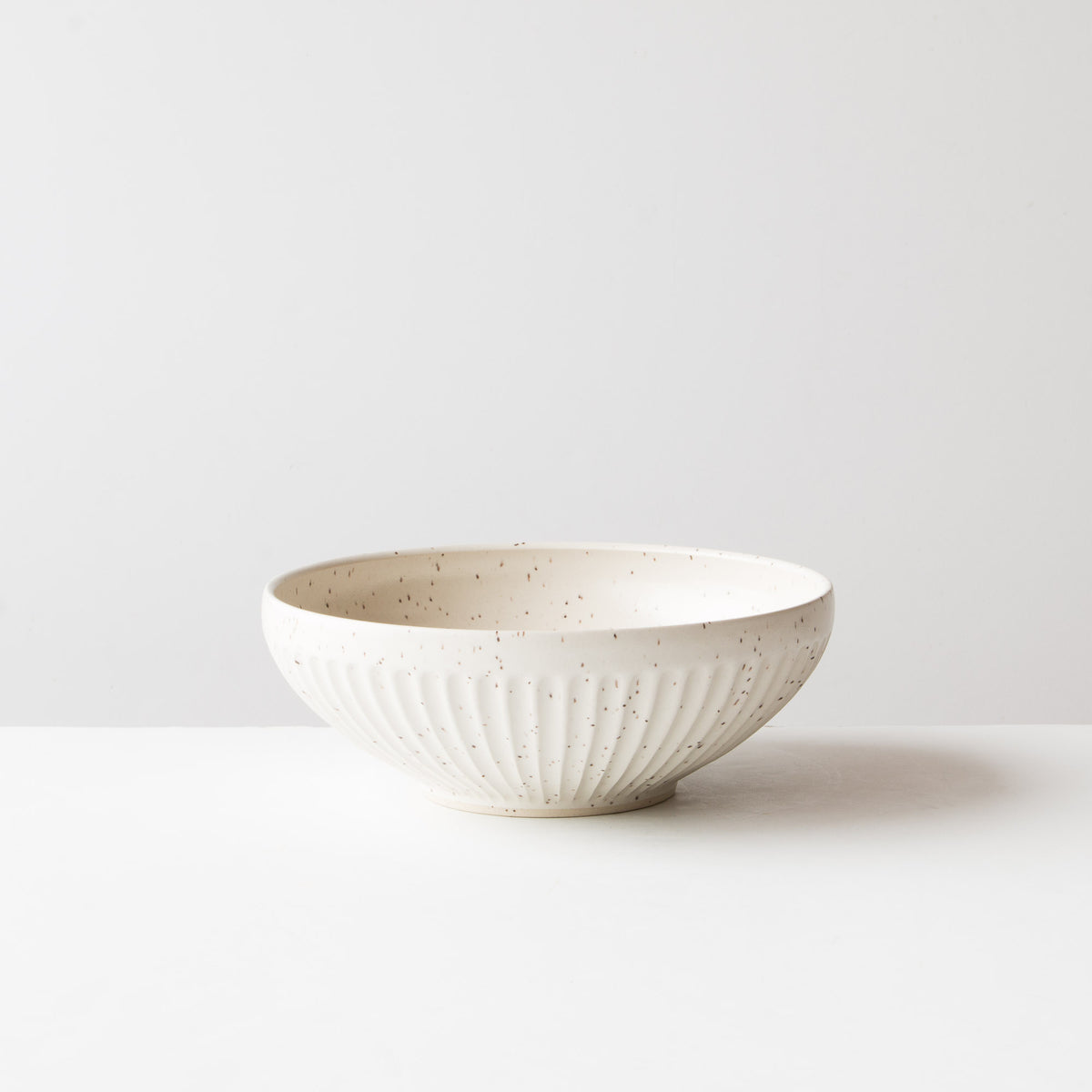 Speckled Off-White - Large Hand Thrown Ceramic Bowl - Groove Pattern - Christian Roy - Chic & Basta