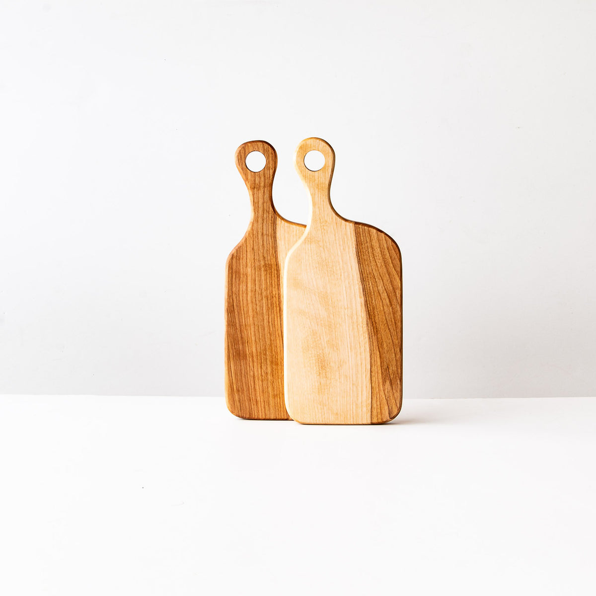 Muskoka N°1 - Two Wooden Cutting Boards in Birch - Sold by Chic & Basta