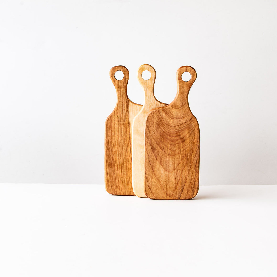 Muskoka N°1 - Handmade Cutting Board in Birch - Sold by Chic & Basta