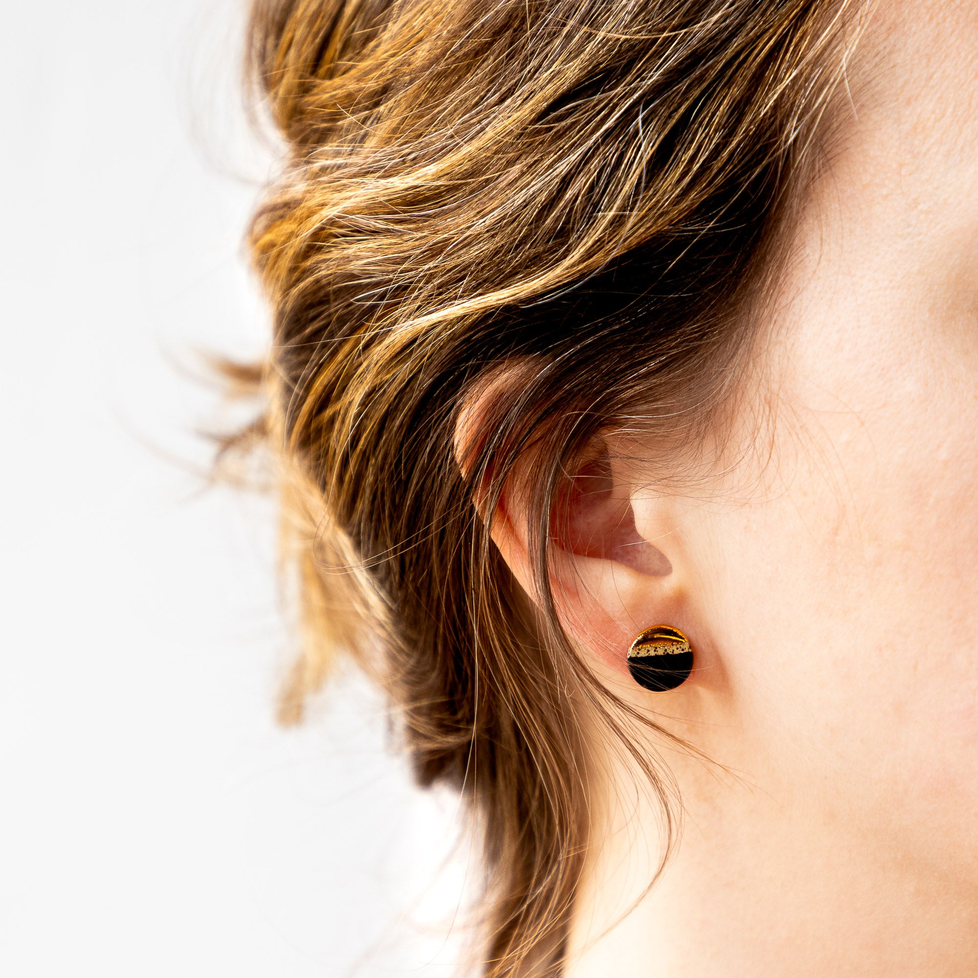 Rumi Collection - M4 - Black, Speckled & Gold Round Earrings