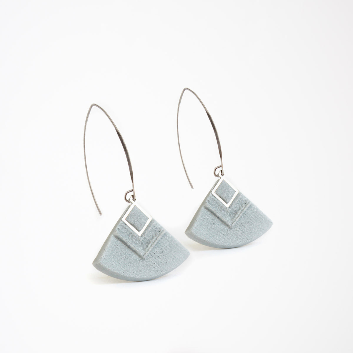 Cléopâtre Earrings in Grey - Handmade in Eco-friendly Resin - Sold by Chic & Basta