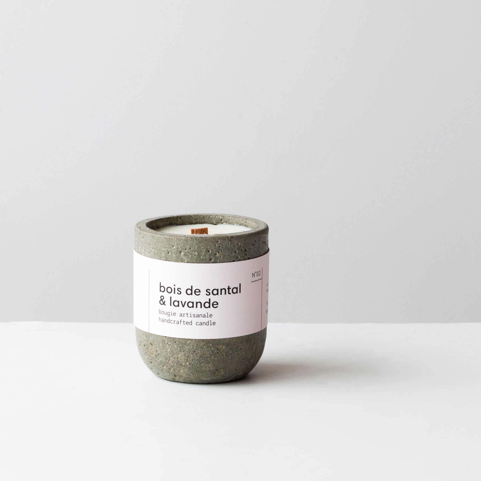 Handmade Sandalwood & Lavender Candle - With Crackling Wood Wick