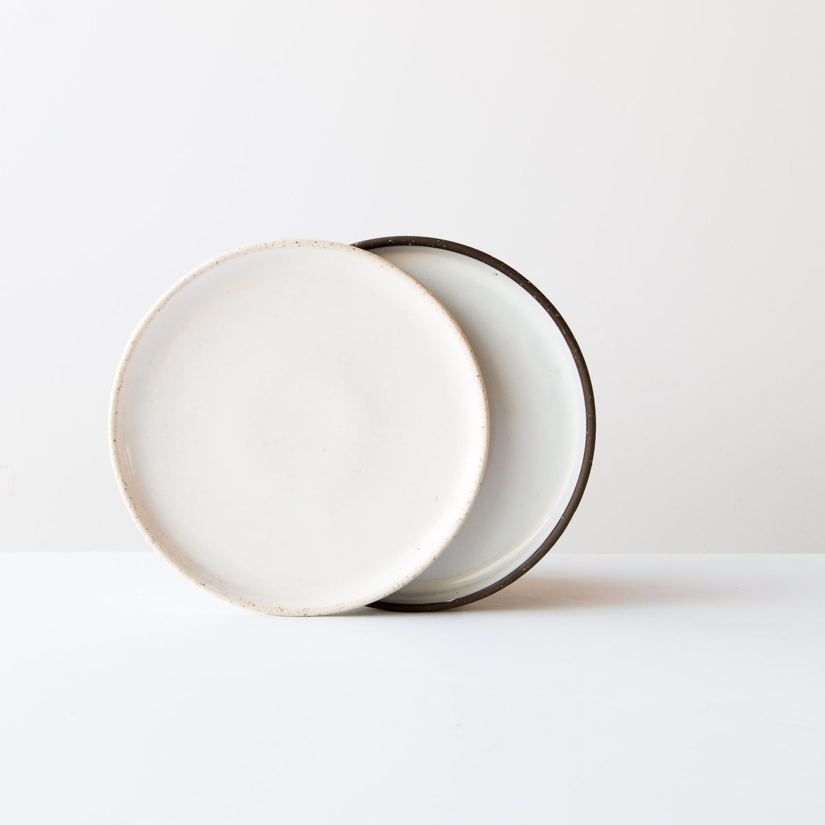 Atelier Trema - Grey & Oatmeal Small Ceramic Plate - Handmade in Quebec, Canada - Sold by Chic & Basta