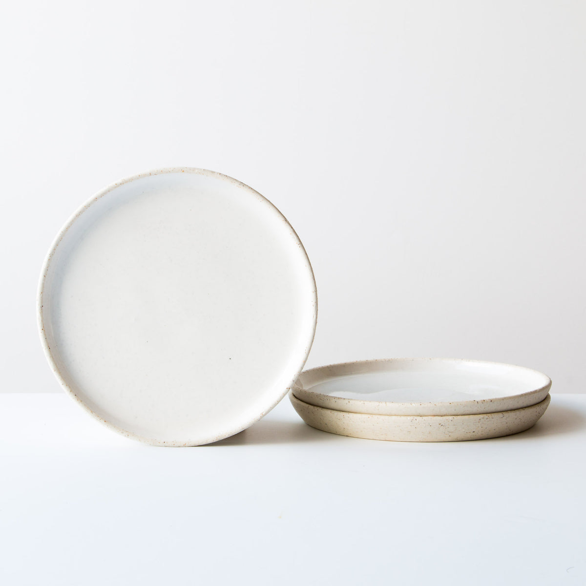 Oatmeal Clay - Soft White Glaze - Small Ceramic Plate - Handmade in Quebec, Canada - Sold by chic & Basta