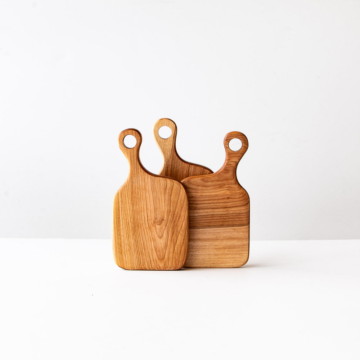 Smôl - Handmade Cutting Board in Birch - Sold by Chic & Basta