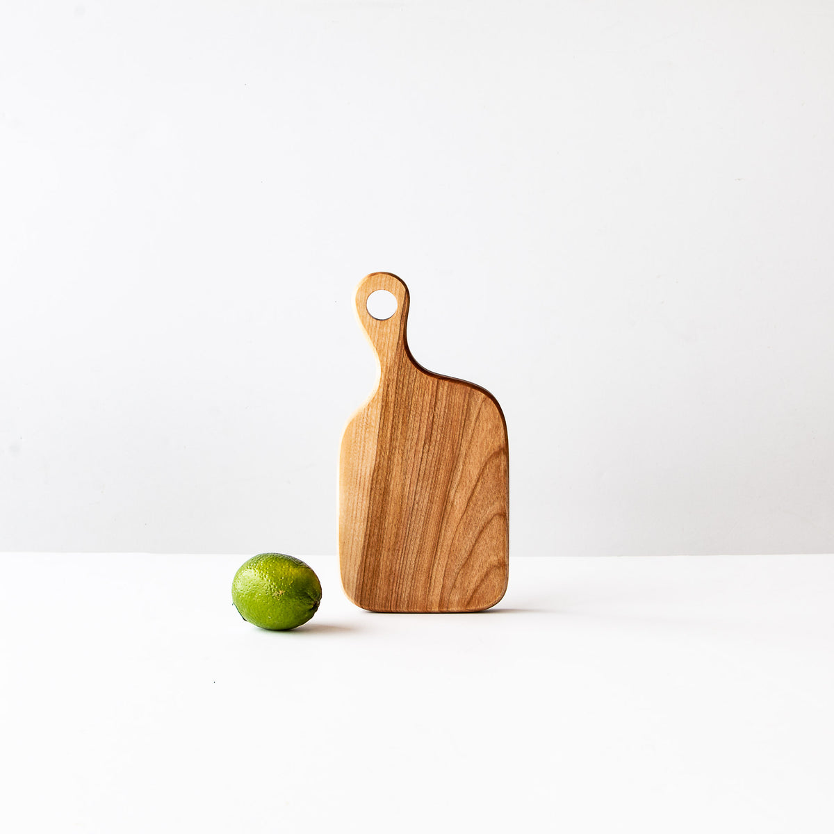 Smôl - Wooden Board in Birch Shown With Lime - Sold by Chic & Basta