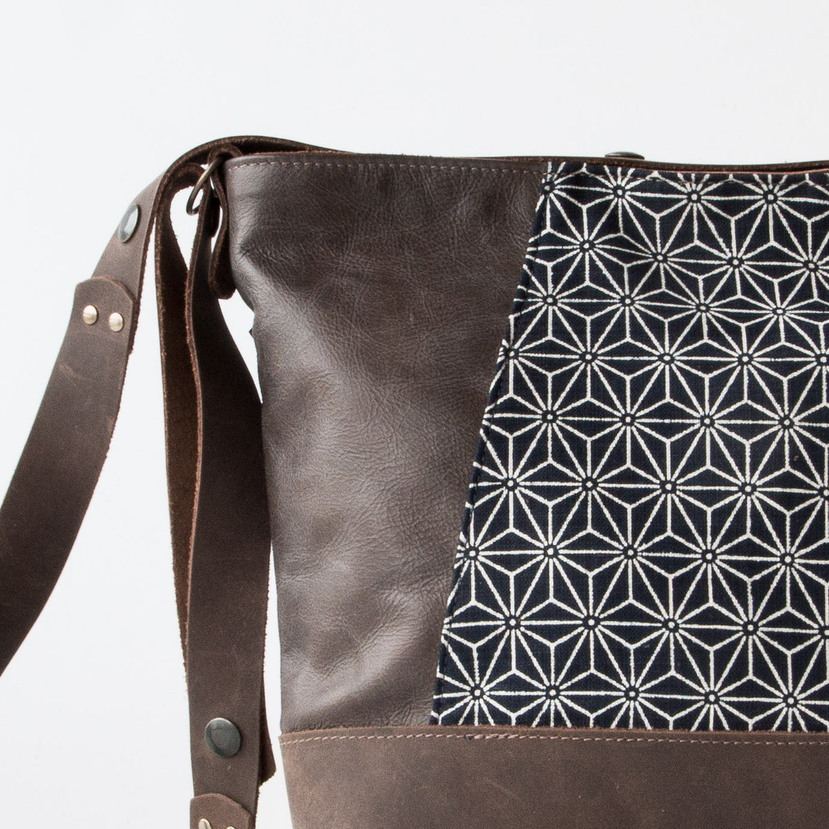 Detail view - Yupik - Adjustable Leather Shoulder Bag with Japanese Fabric - Sold by Chic & Basta