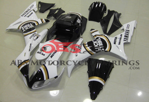 White, Black and Gold Lucky Strike Fairing Kit for a 2002 & 2003 Yamaha YZF-R1 motorcycle