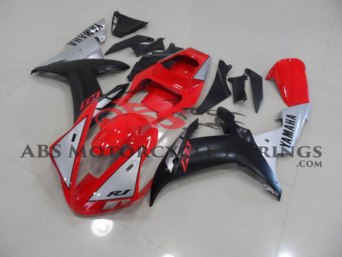 Matte Black Red & Silver 2002-2003 Yamaha YZF-R1