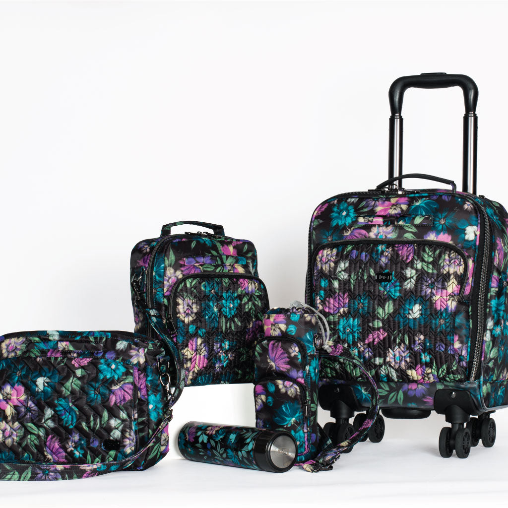 Collection in Bloom Black pattern