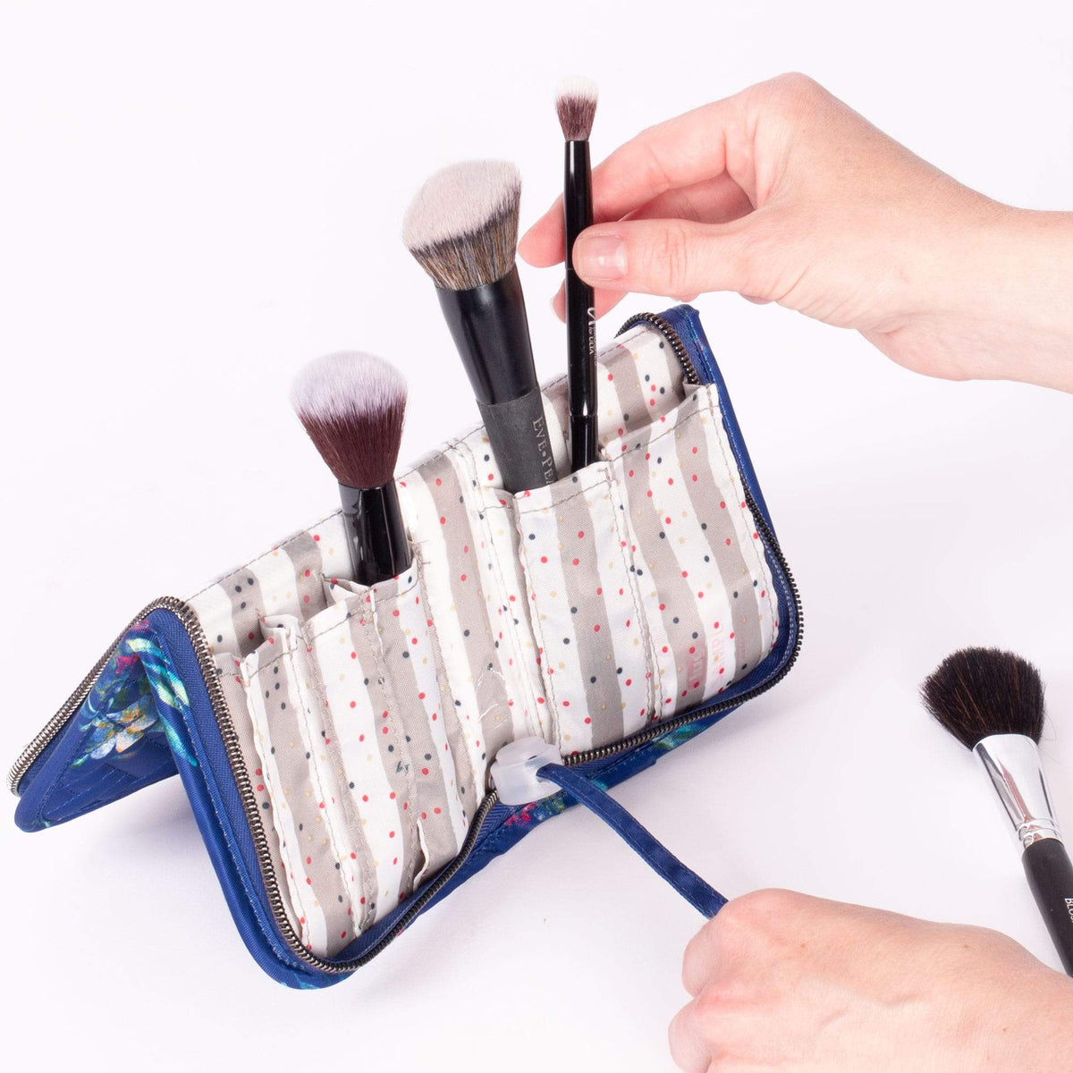 Sleeper Brush Holder