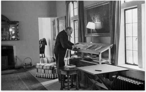 Winston Churchhill used a standing desk