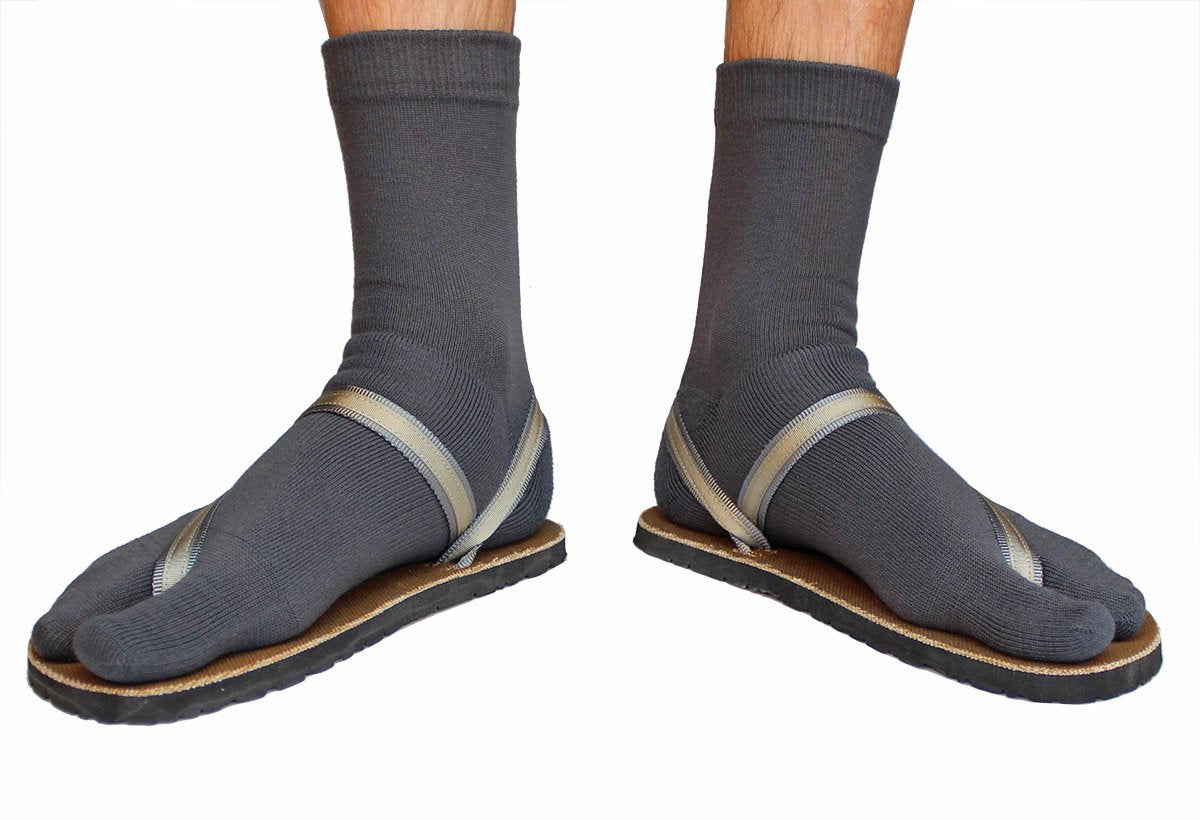 charcoal wool tabi sandal socks