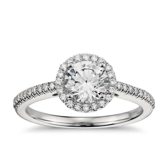 Classic Halo Diamond Engagement Ring in Platinum (1/4 cttw )