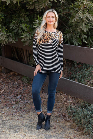 T7739-ANBLK long sleeve animal stripes colorblock tunic top