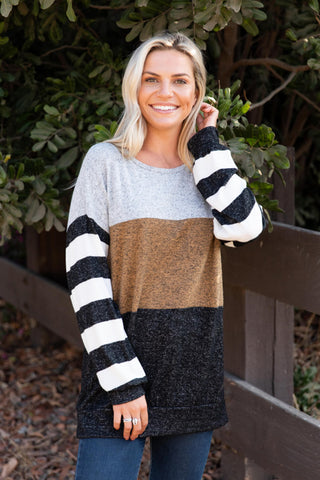 T8623-MUST color block sweater knit top with striped sleeves