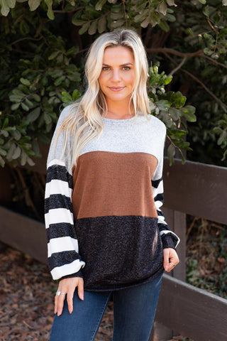 T8623-CAMEL color block sweater knit top with striped sleeves