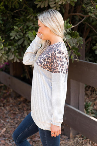 T8420-STAN animal print and stripes color block sweatshirt