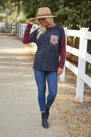 T9544 long sleeve sweater knit color block animal pocket top