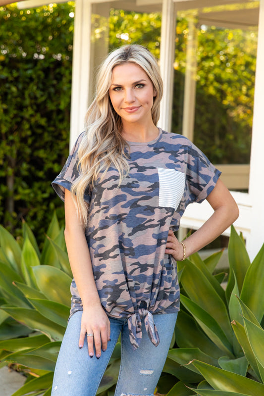 T8755-CAMO short sleeve camo tie front stripe pocket top
