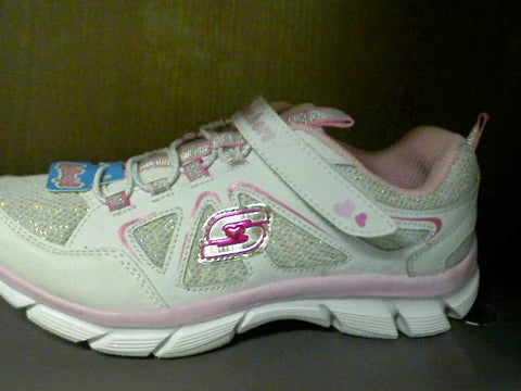 Girls Size 2,3, & 3.5 Skechers Lite Dreamz 48% OFF