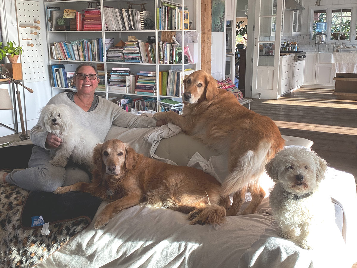 Lizzy James at home with her dogs 2021