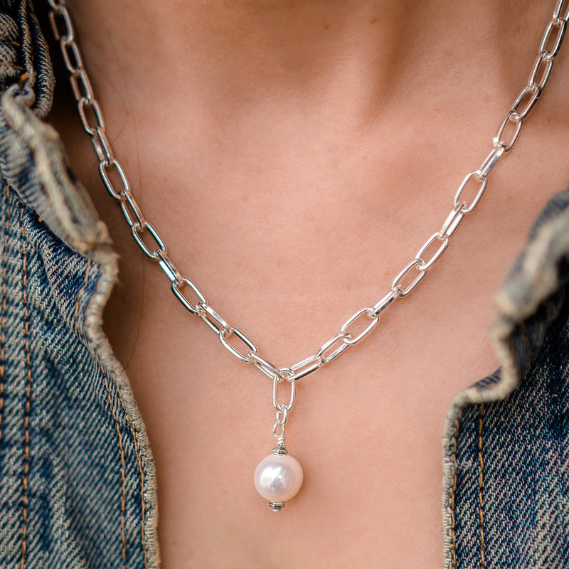 Daily Luxe Silver Adjustable Necklace with Creamy Pearl Pendant