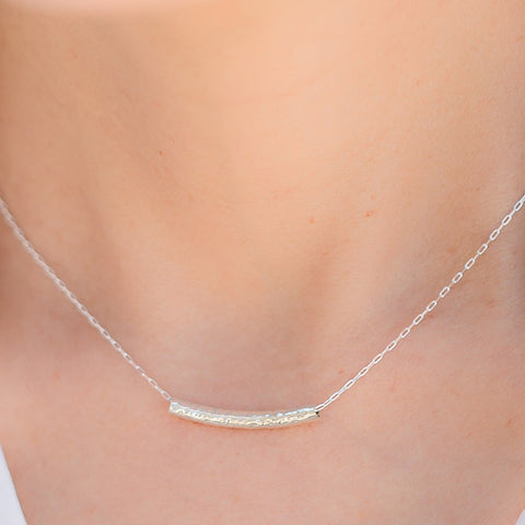 Mars sterling silver hammered bar necklace
