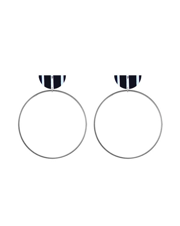 Water Joan Blond Moon Ring Stud Earrings