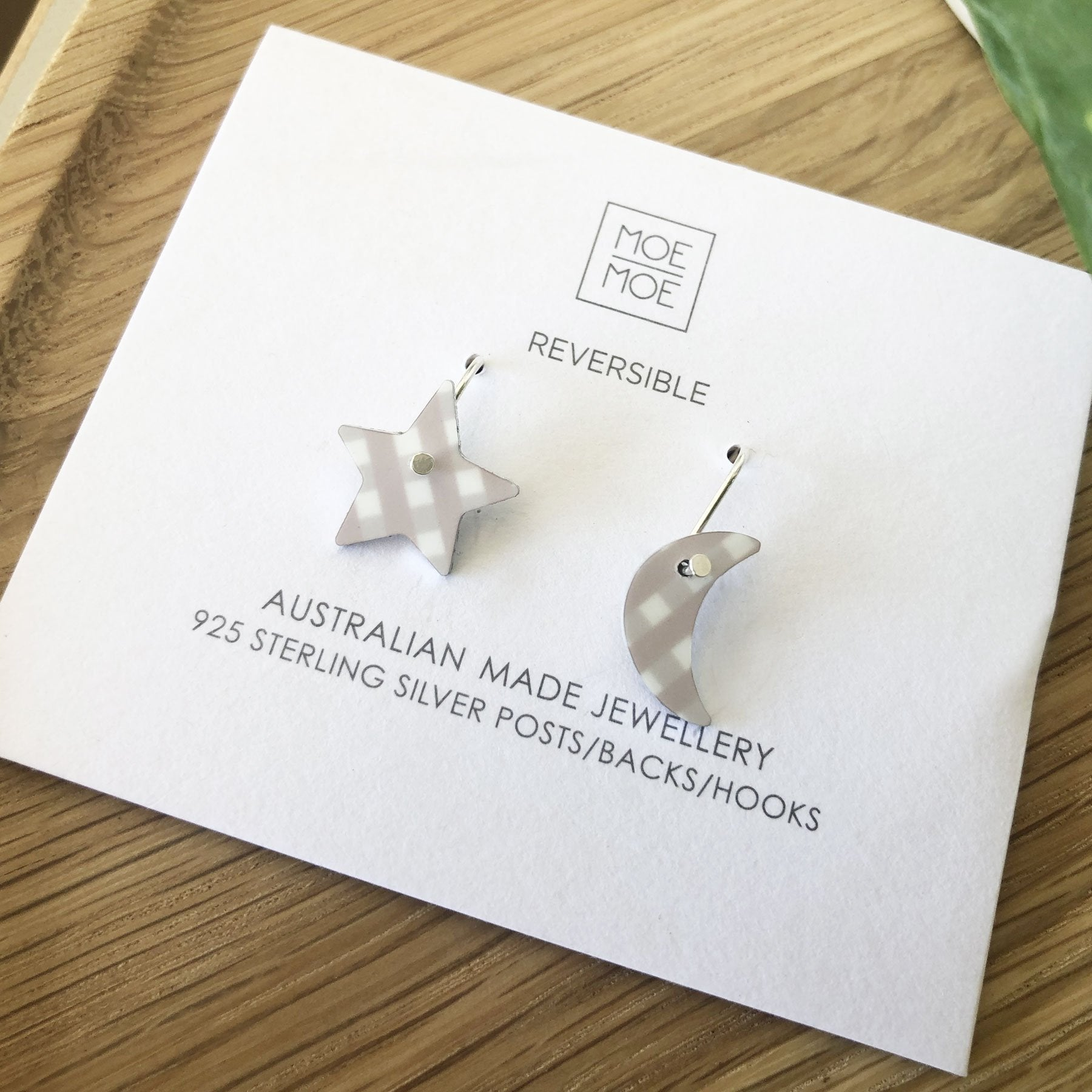 Summer Oat Gingham Small Star Moon Drop Earrings
