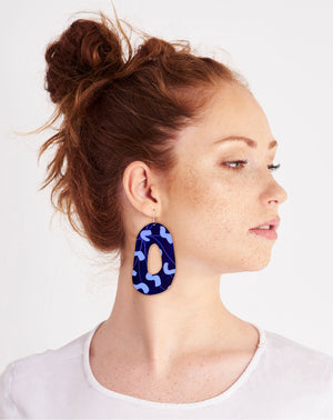 Water Joan Blond Organic Shape Drop Earrings