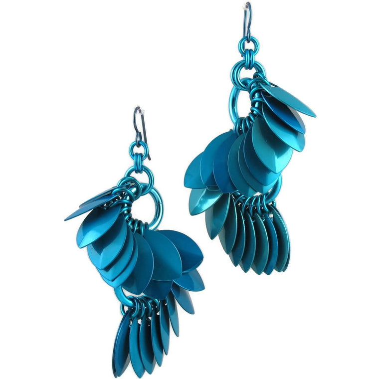 A Simple Petal S Curve Earrings in Turquoise
