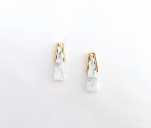 Muskoka Nord White Hat Howlite - Gold Earrings