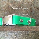 Glossy green collar