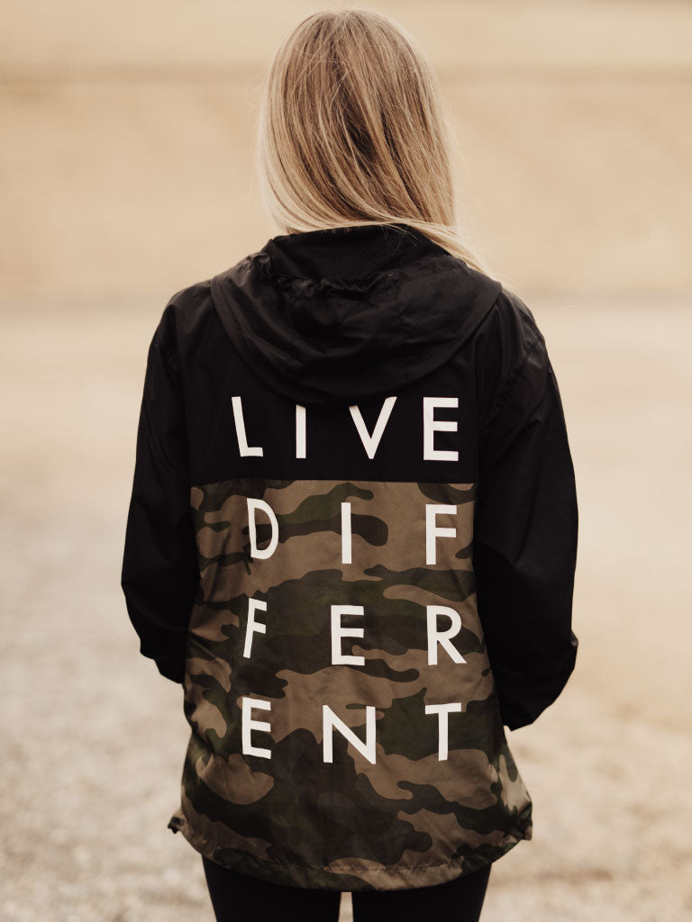 LIVE DIFFERENT WINDBREAKER - BLACK/CAMO
